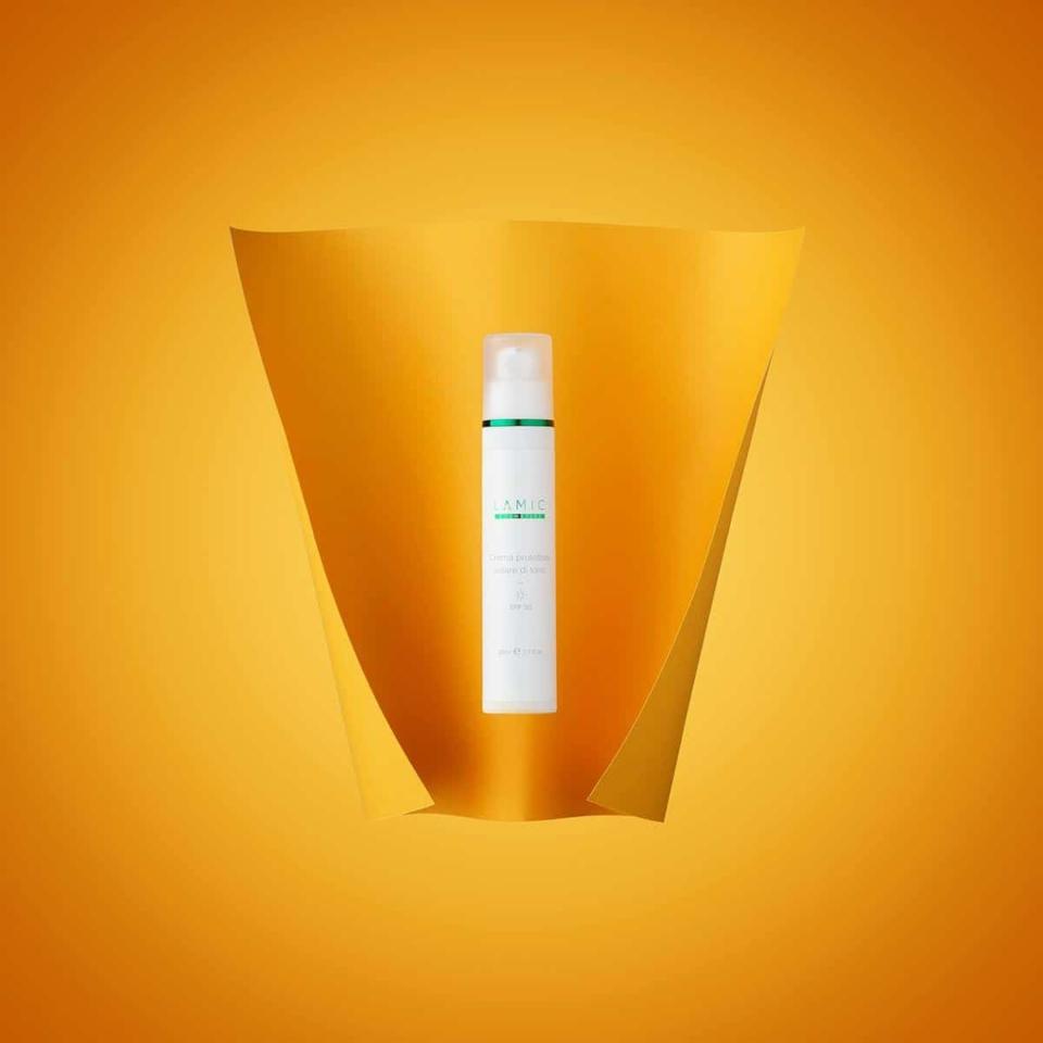 Тональный крем с SPF 50 «Lamic Crema Protettivo solare di tono SPF 50»